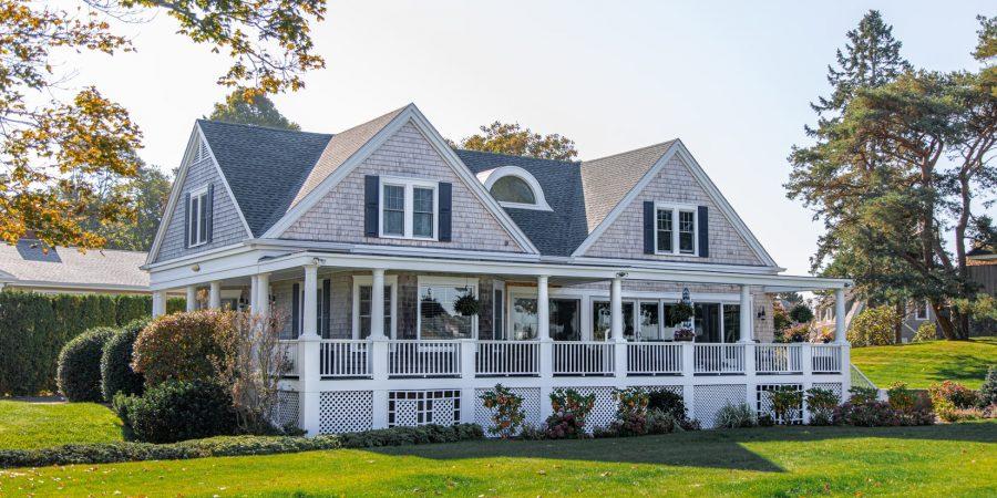 real estate listing copywriter