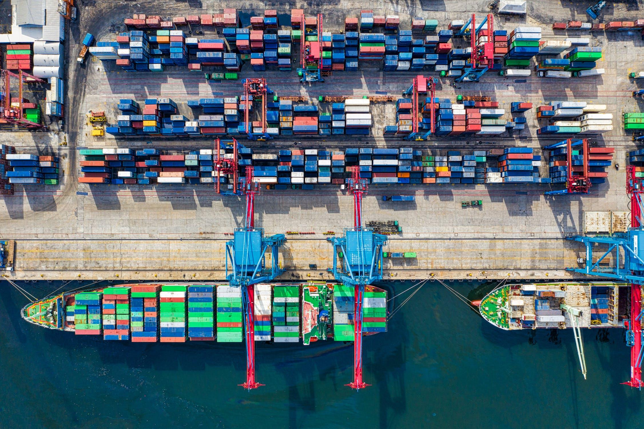 cargo shipping copywriter